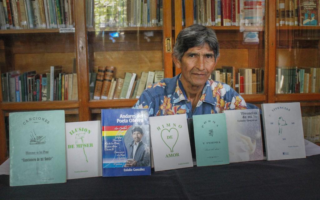 El poeta obrero, Eulalio González presentará sus libros en la biblioteca Almafuerte