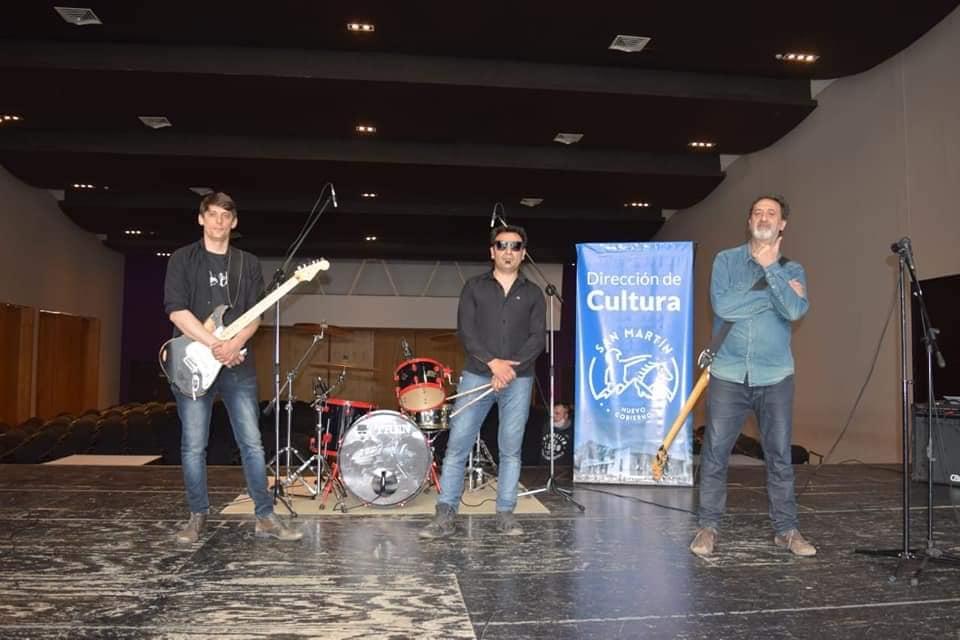 T.R.E.N. la banda de rock & roll del Este Mendocino lanzó su primer disco