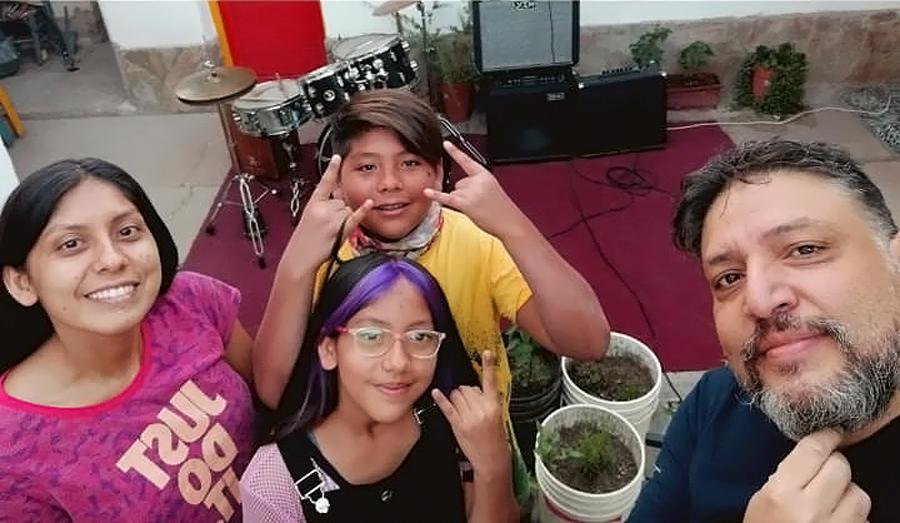 La González Band, un power trío de rock muy familiar
