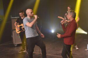 Bashe presenta «LA CAMPANA» #Bullying canción con la participación de Raúl Ruffino (Los Tipitos)