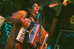 Anju Viard presenta Piyamada Cumbiera «A resistir bailando»