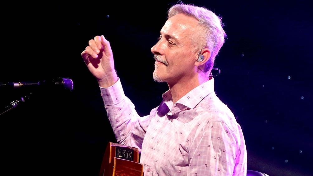Pedro Aznar trabaja en la remasterización del disco debut de «Serú Girán»